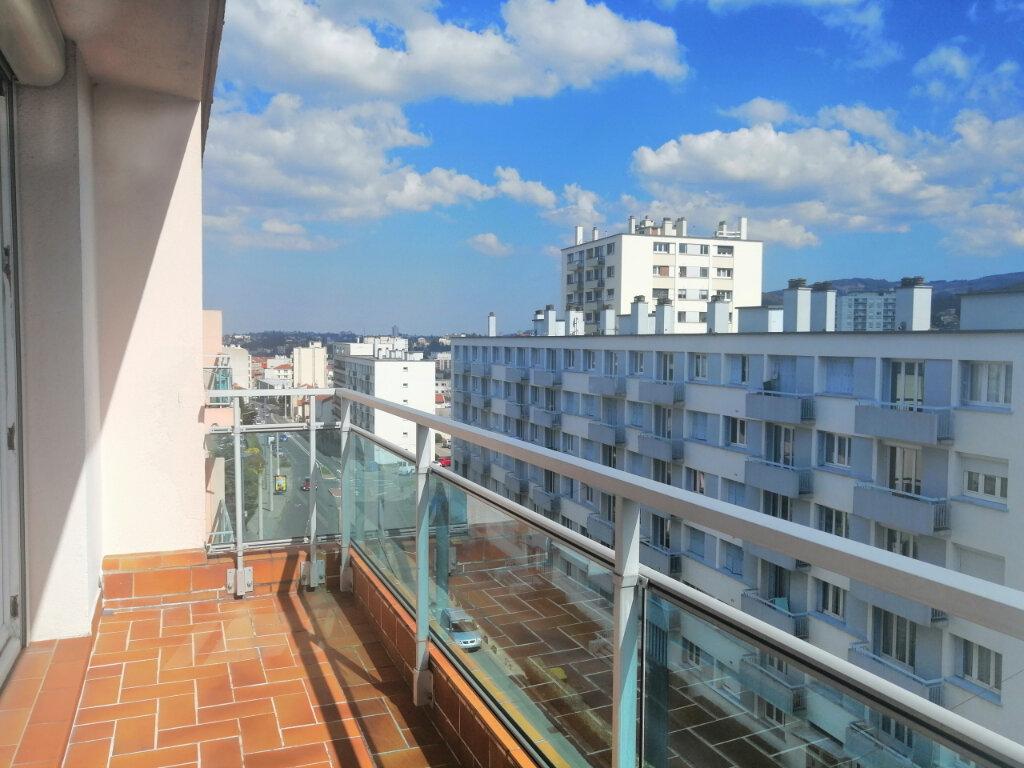 Appartement à louer 4 71.97m2 à Saint-Étienne vignette-6