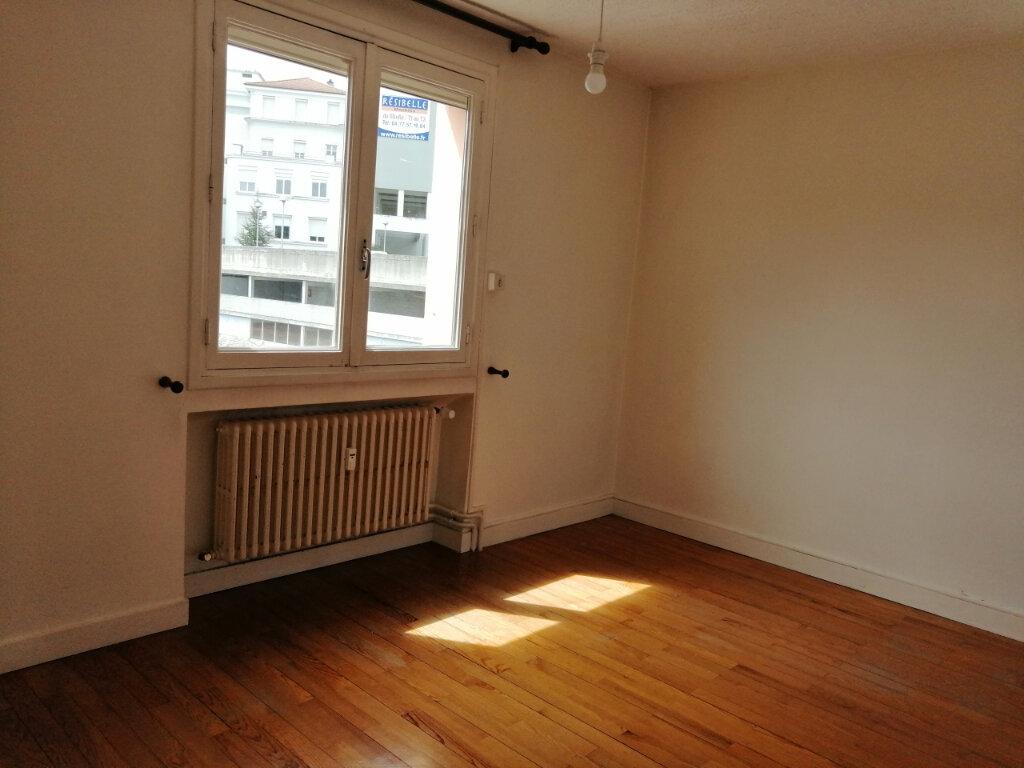 Appartement à louer 4 71.97m2 à Saint-Étienne vignette-7