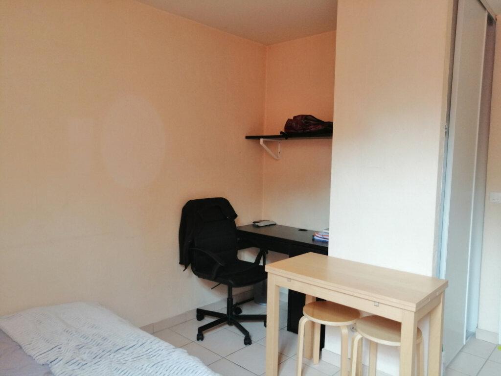 Appartement à louer 1 18.5m2 à Saint-Étienne vignette-3
