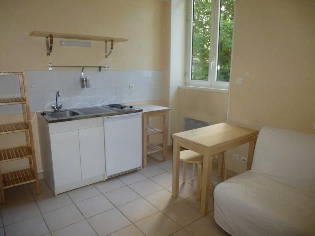 Appartement à louer 1 18.5m2 à Saint-Étienne vignette-4