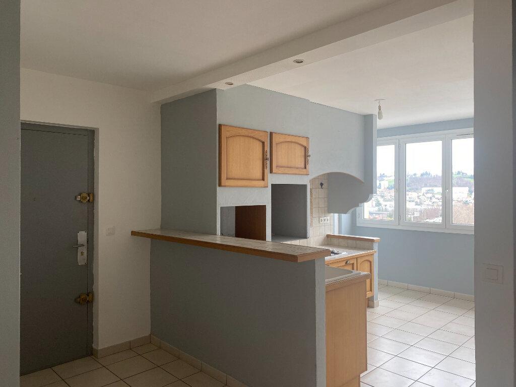 Appartement à louer 4 79m2 à Saint-Étienne vignette-1