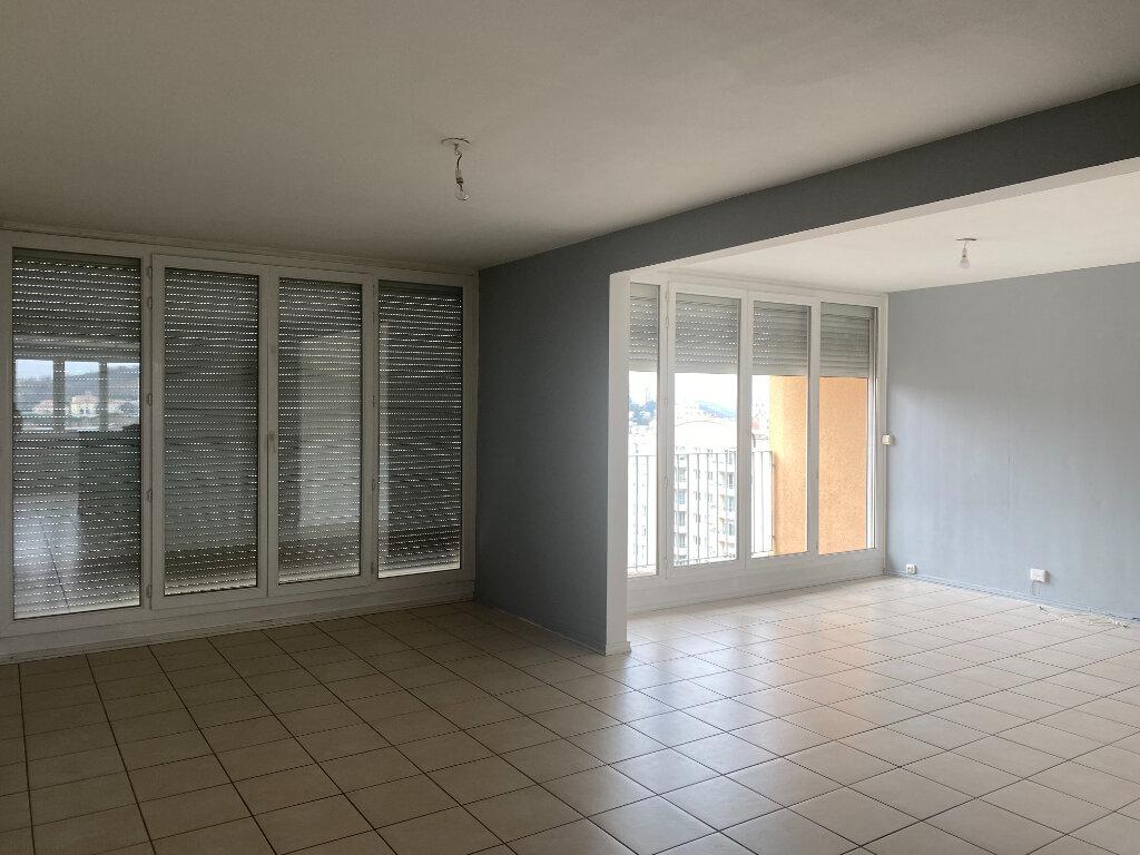 Appartement à louer 4 79m2 à Saint-Étienne vignette-3