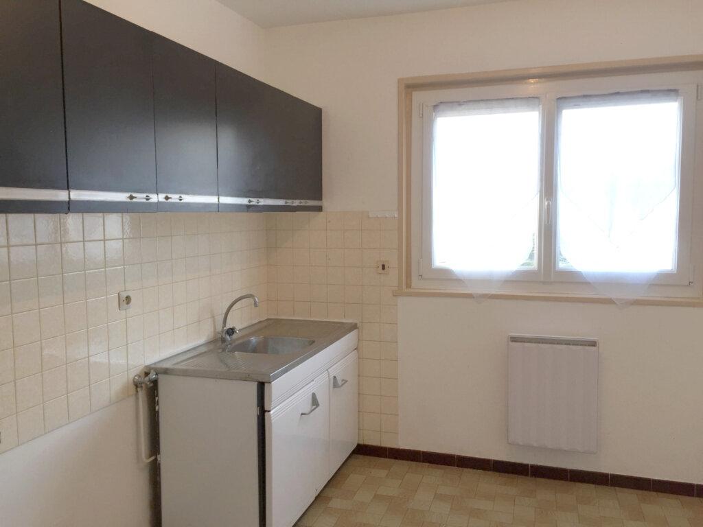 Appartement à louer 2 47m2 à Saint-Étienne vignette-1