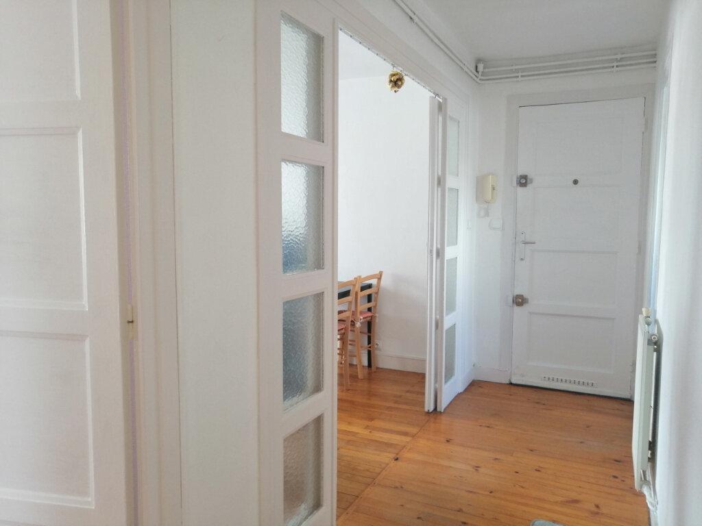 Appartement à louer 3 51.17m2 à Saint-Étienne vignette-2