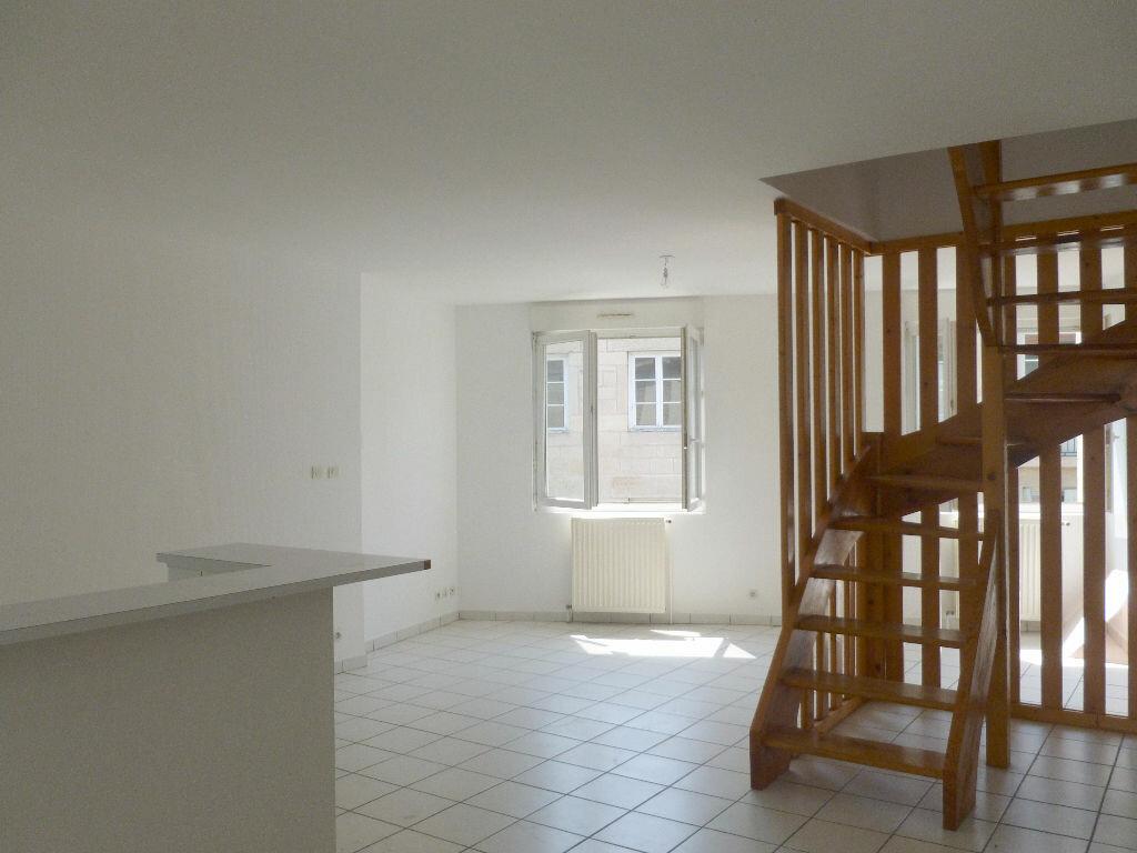 Appartement à louer 4 87.87m2 à Saint-Étienne vignette-3