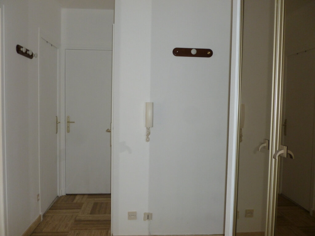 Appartement à louer 2 46.82m2 à Saint-Étienne vignette-4