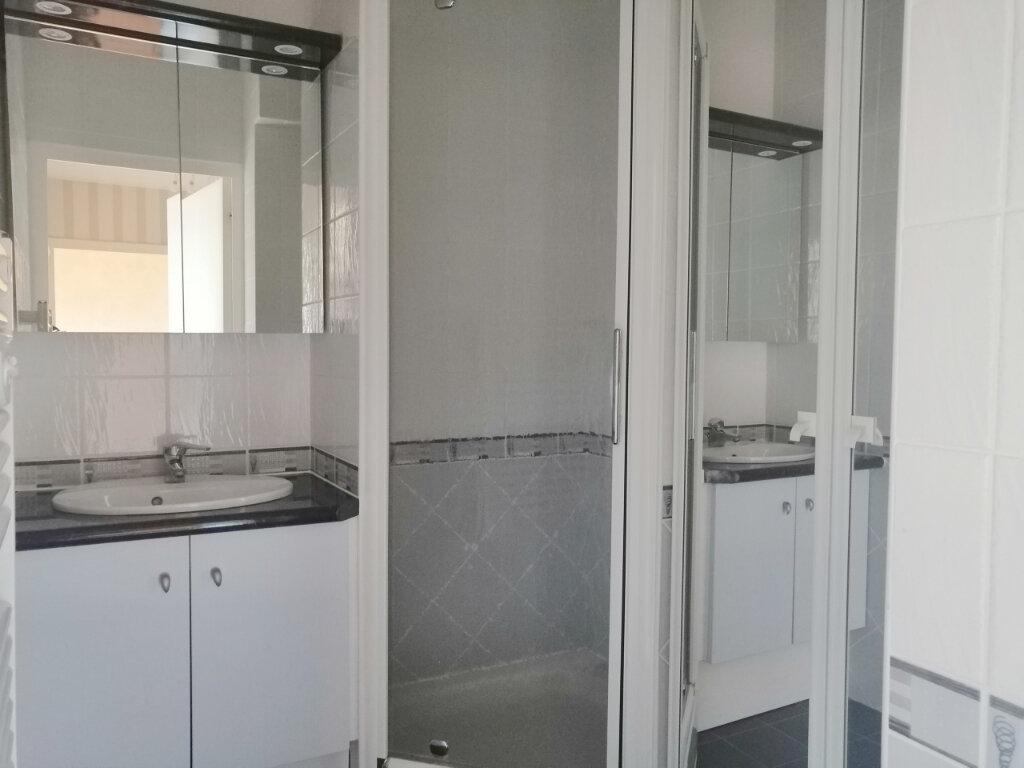 Appartement à louer 2 46.82m2 à Saint-Étienne vignette-5