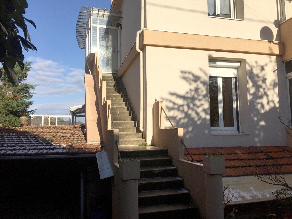 Appartement à louer 2 67.16m2 à Saint-Étienne vignette-1