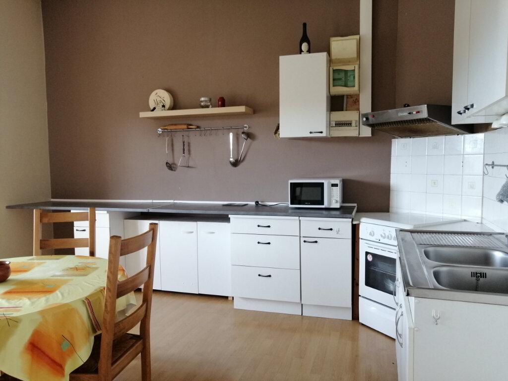 Appartement à louer 2 67.16m2 à Saint-Étienne vignette-3