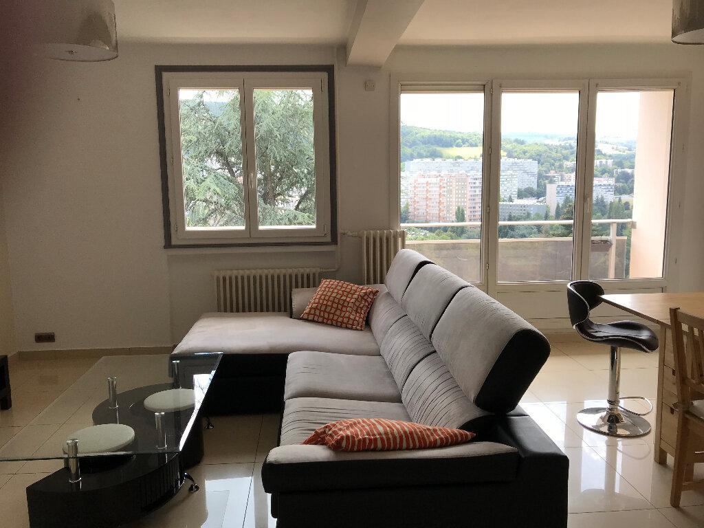 Appartement à louer 3 59.42m2 à Saint-Étienne vignette-1