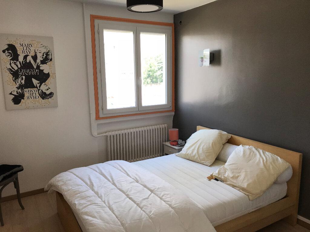 Appartement à louer 3 59.42m2 à Saint-Étienne vignette-4