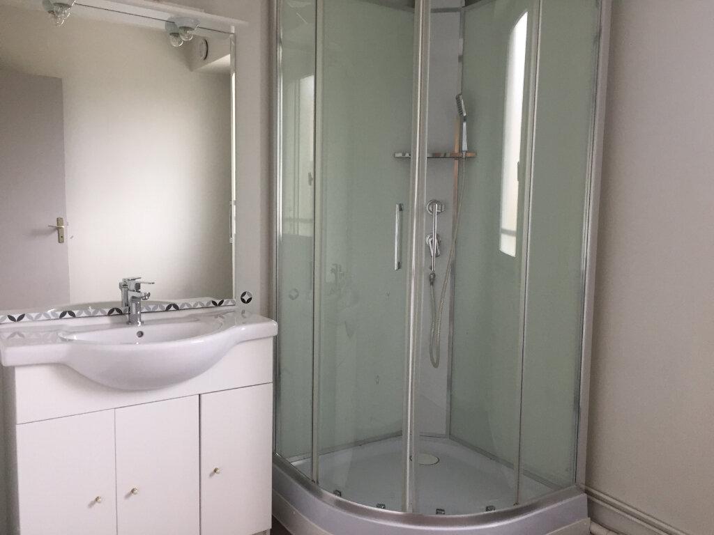 Appartement à louer 4 78.08m2 à Saint-Étienne vignette-4