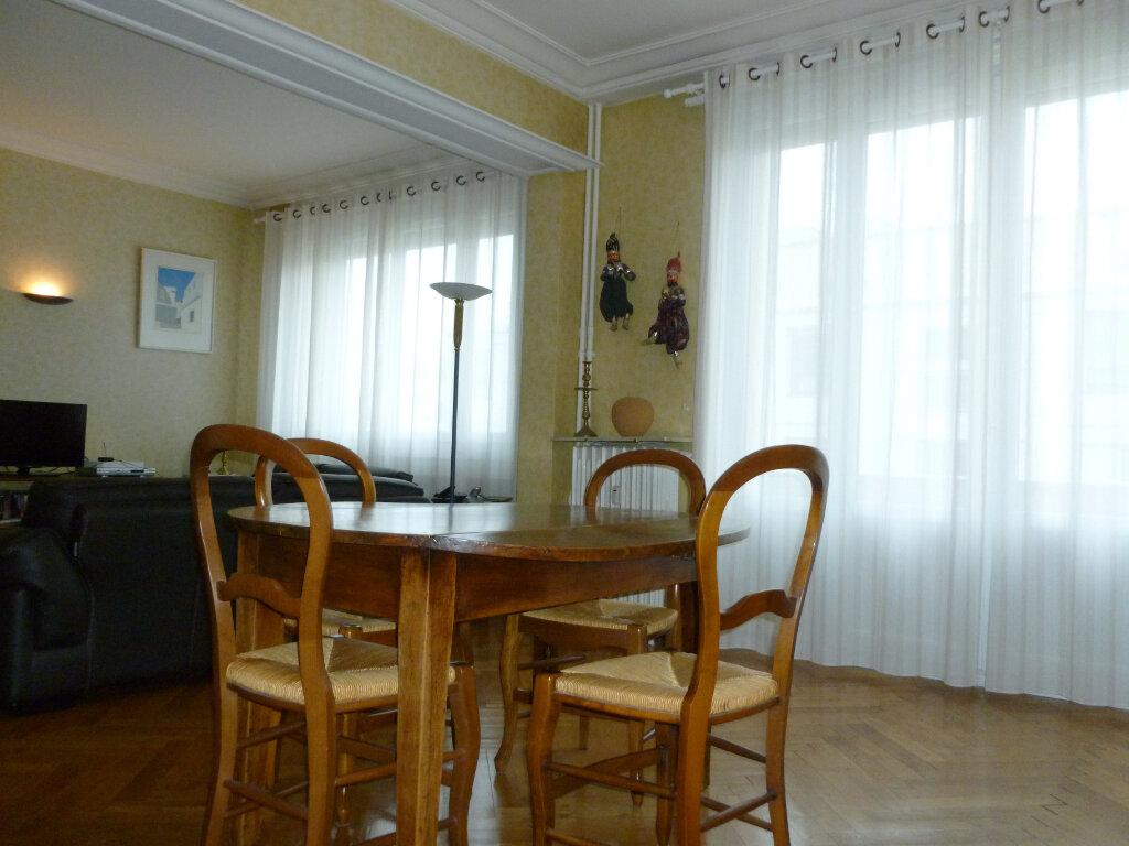 Appartement à vendre 5 137.41m2 à Saint-Étienne vignette-3