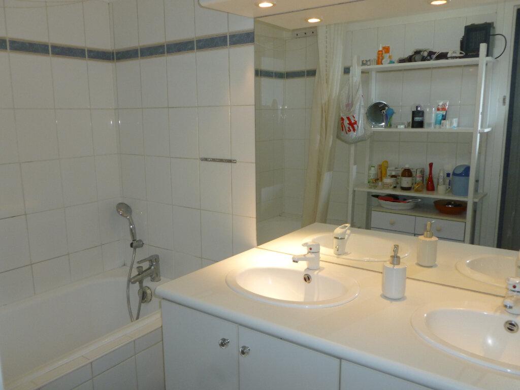 Appartement à vendre 5 137.41m2 à Saint-Étienne vignette-8