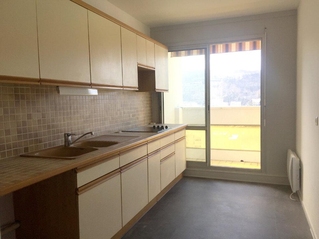 Appartement à louer 2 46.83m2 à Saint-Étienne vignette-5