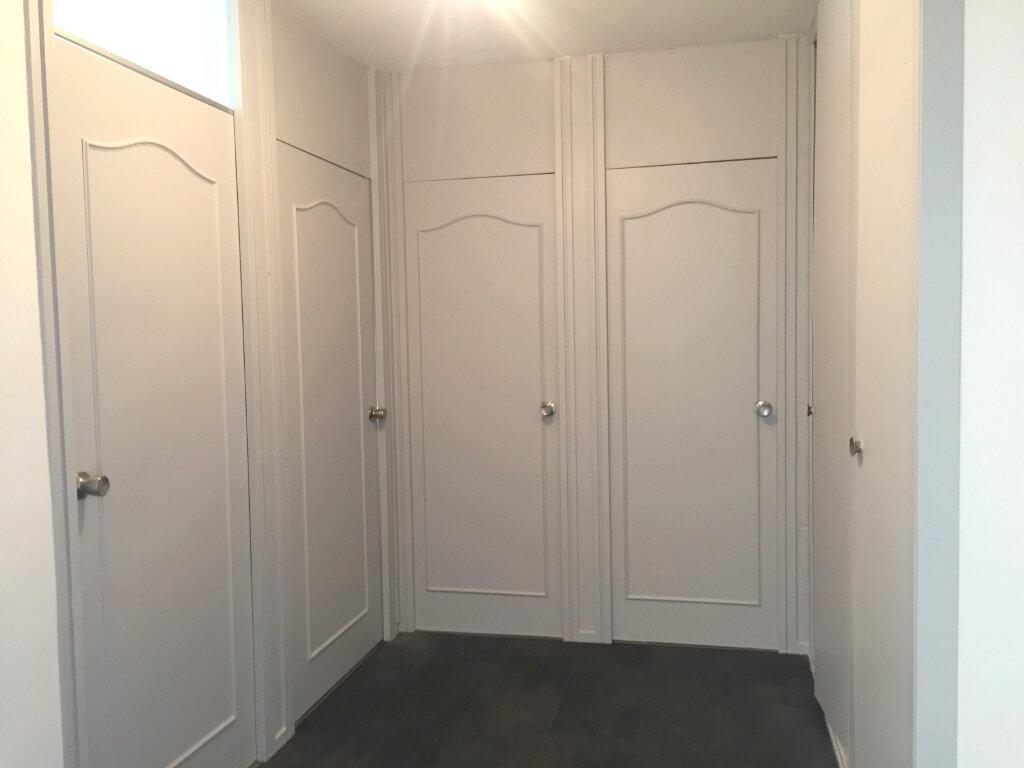 Appartement à louer 2 46.83m2 à Saint-Étienne vignette-7