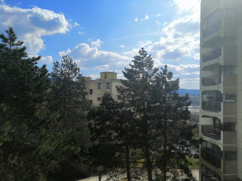 Appartement à louer 3 75m2 à Saint-Étienne vignette-8