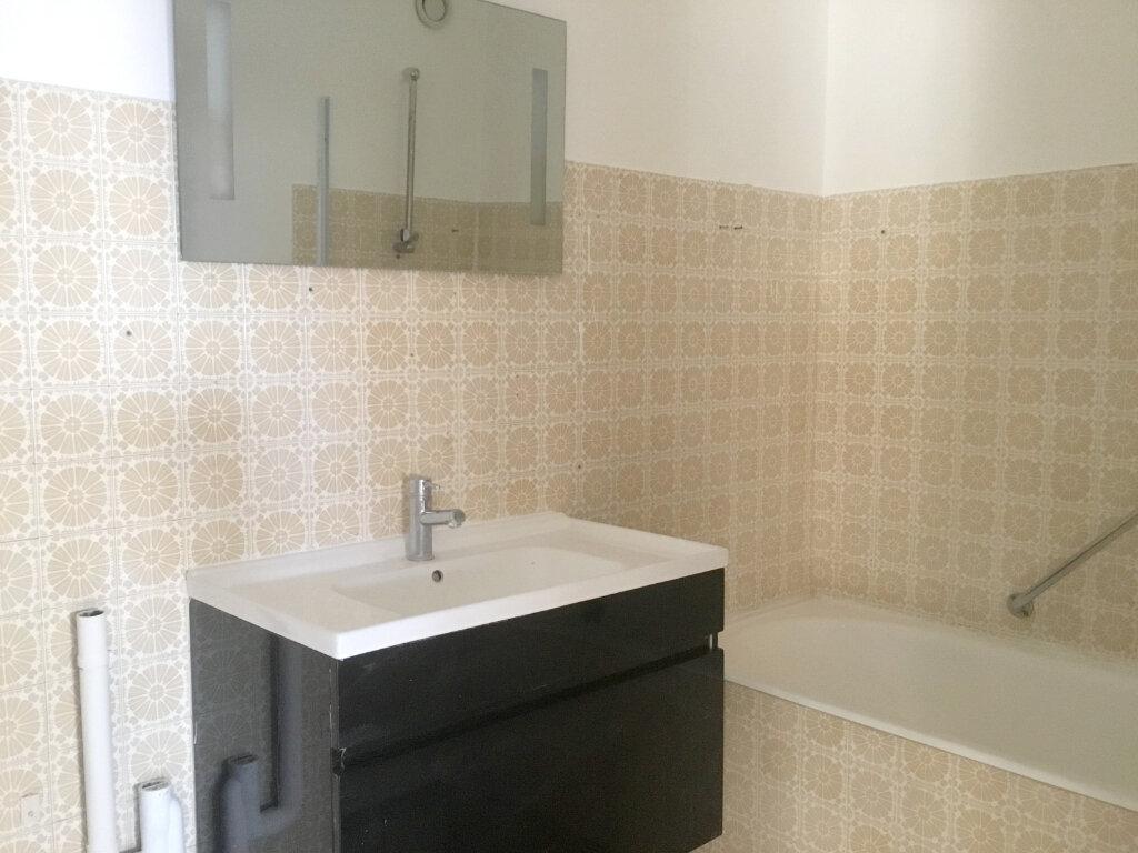 Appartement à louer 3 70m2 à Saint-Étienne vignette-5