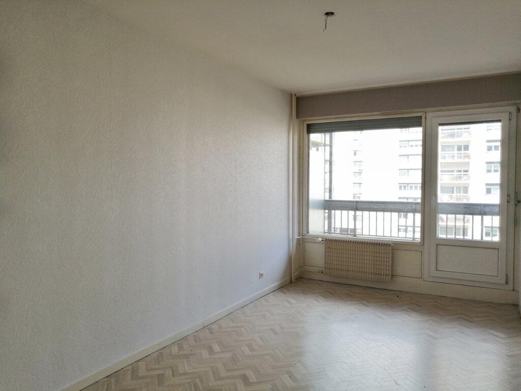 Appartement à louer 3 70m2 à Saint-Étienne vignette-6