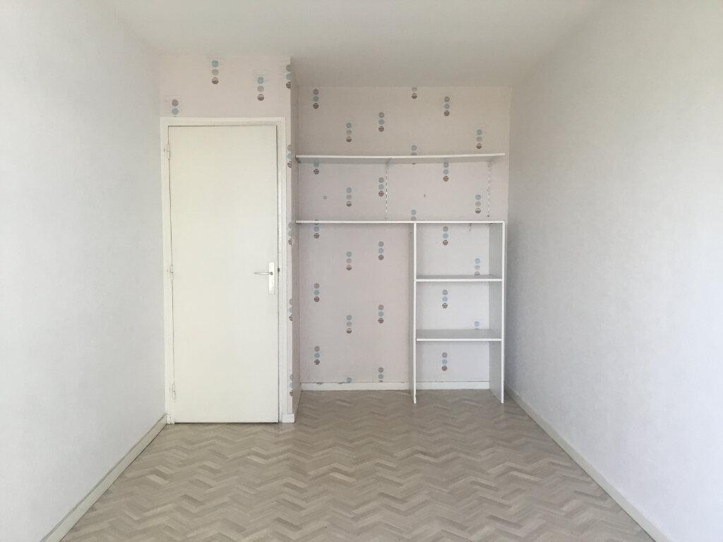 Appartement à louer 3 70m2 à Saint-Étienne vignette-7