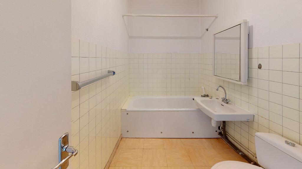 Appartement à louer 1 33m2 à Saint-Étienne vignette-4