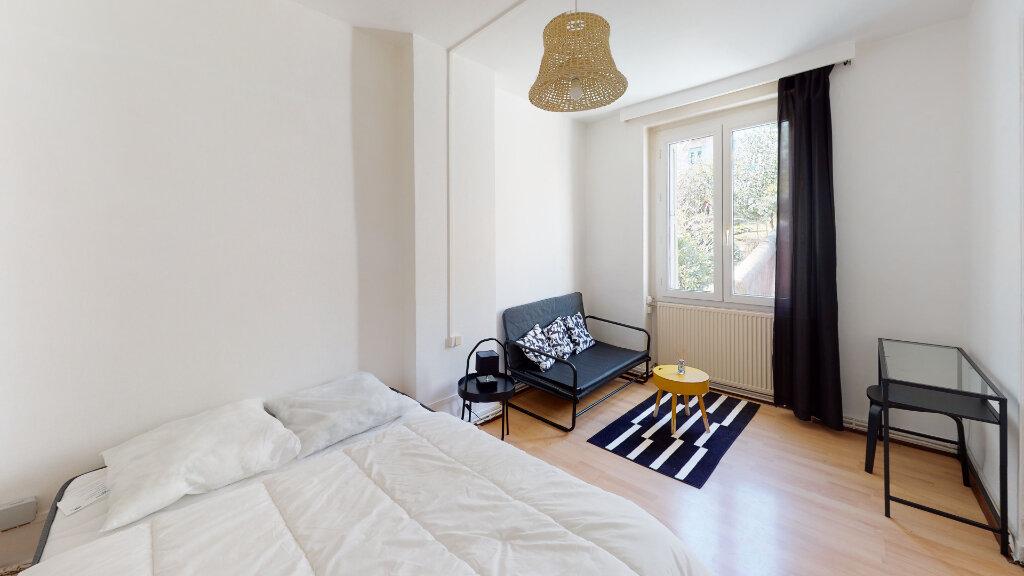 Appartement à louer 1 31.49m2 à Saint-Étienne vignette-1