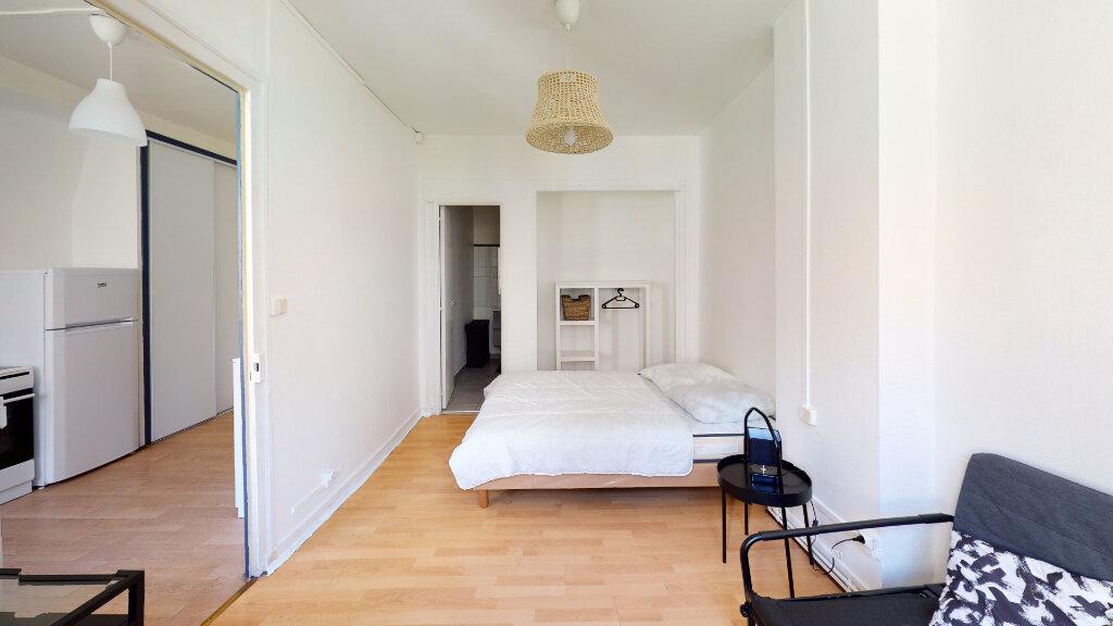 Appartement à louer 1 31.49m2 à Saint-Étienne vignette-2