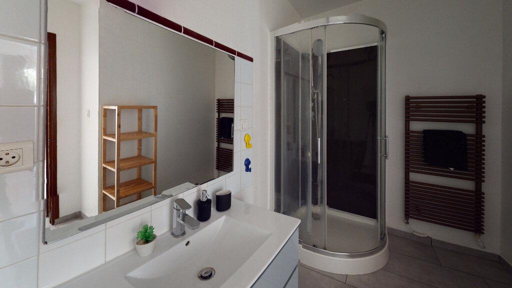 Appartement à louer 1 31.49m2 à Saint-Étienne vignette-3