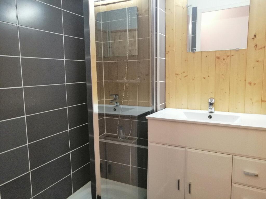 Appartement à louer 3 65m2 à Saint-Étienne vignette-3