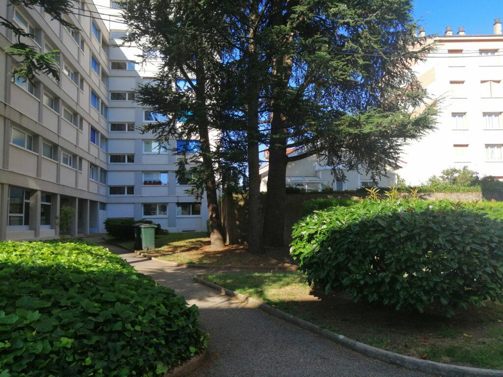 Appartement à louer 2 38.65m2 à Saint-Étienne vignette-1