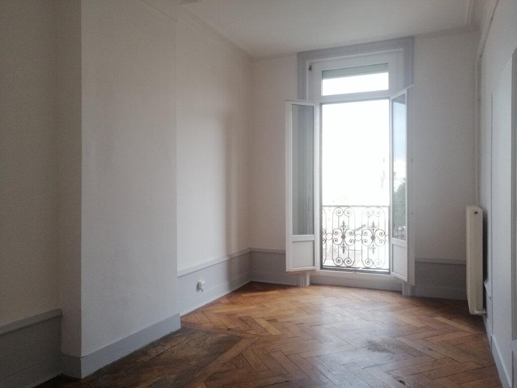 Appartement à louer 3 67m2 à Saint-Étienne vignette-5