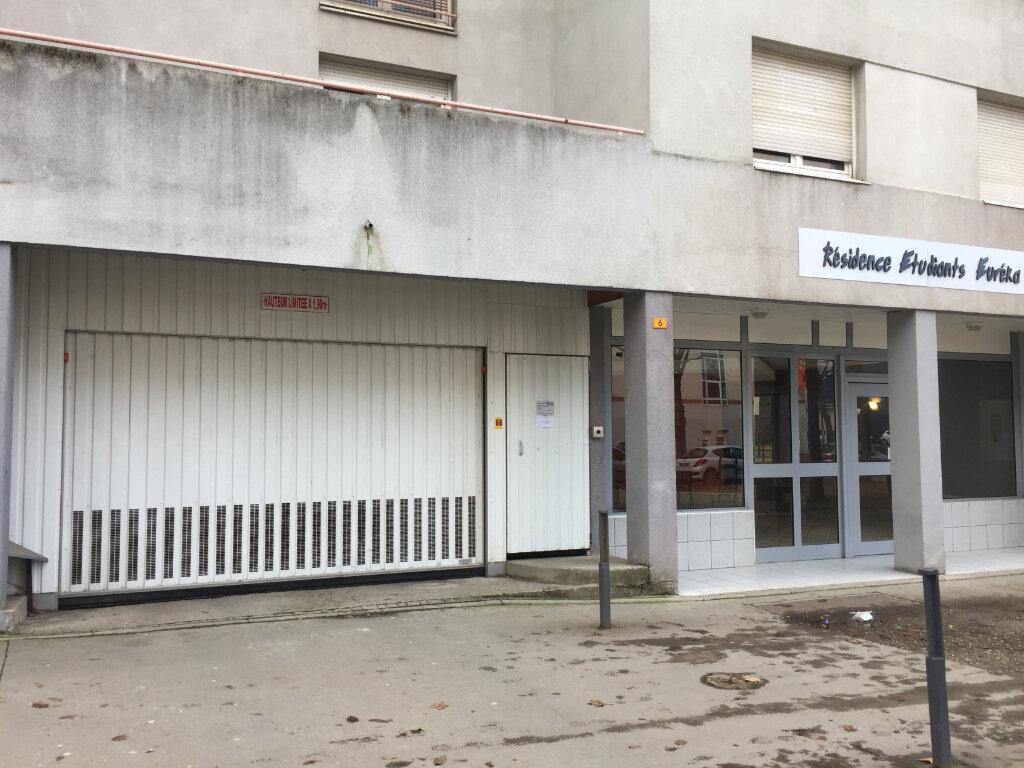 Stationnement à louer 0 15m2 à Saint-Étienne vignette-1