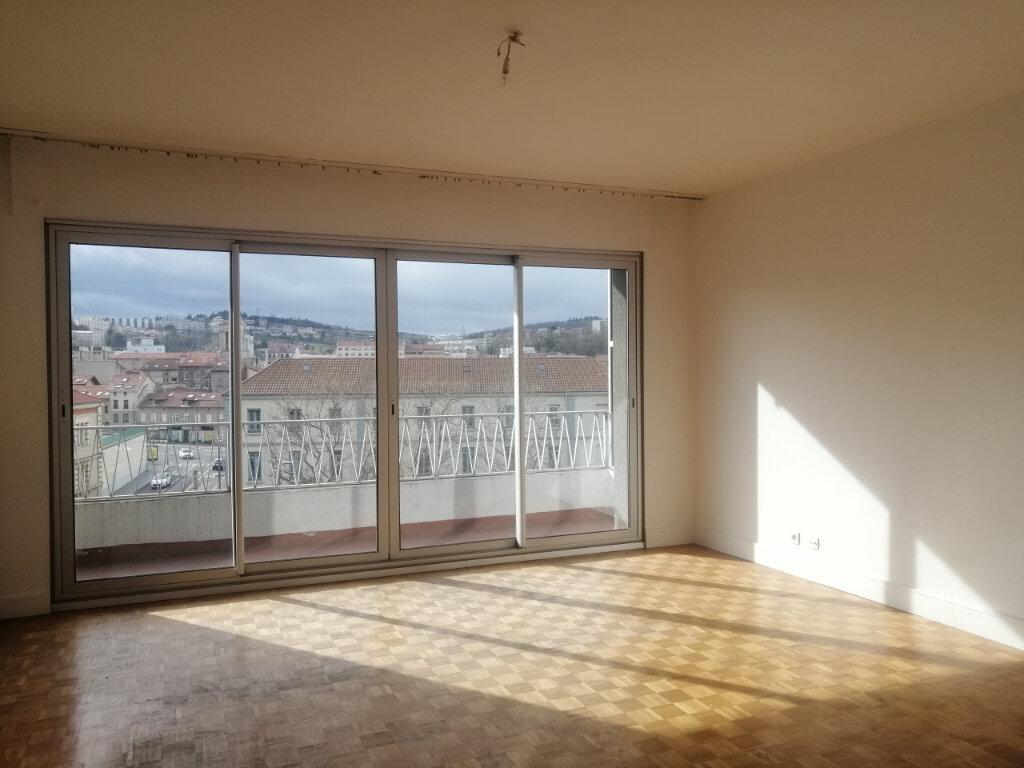 Appartement à louer 3 100m2 à Saint-Étienne vignette-2