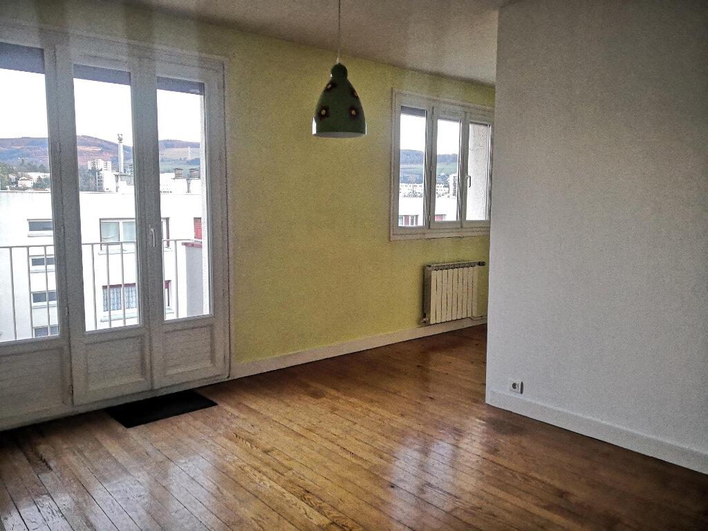 Appartement à louer 3 55.11m2 à Saint-Étienne vignette-2