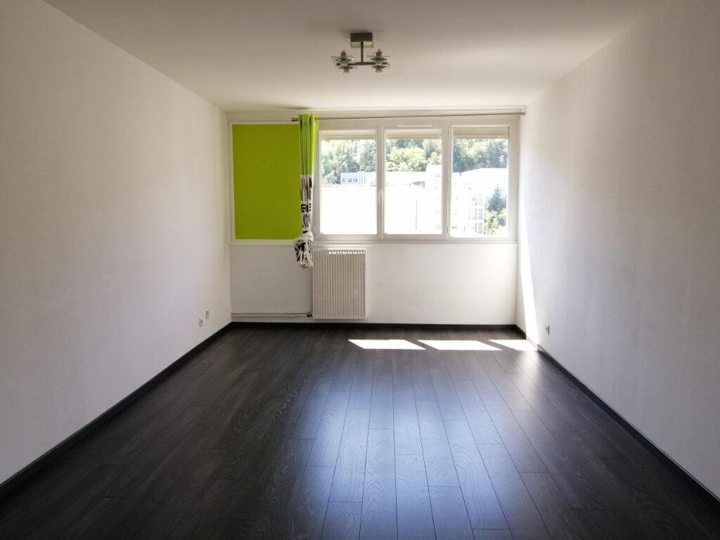 Appartement à louer 3 71.26m2 à Saint-Étienne vignette-2