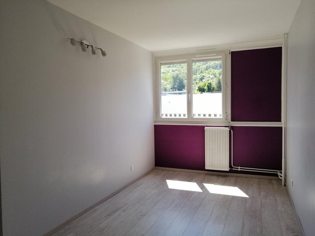 Appartement à louer 3 71.26m2 à Saint-Étienne vignette-6