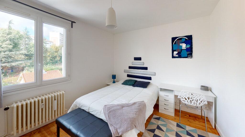 Appartement à louer 4 64.49m2 à Saint-Étienne vignette-3