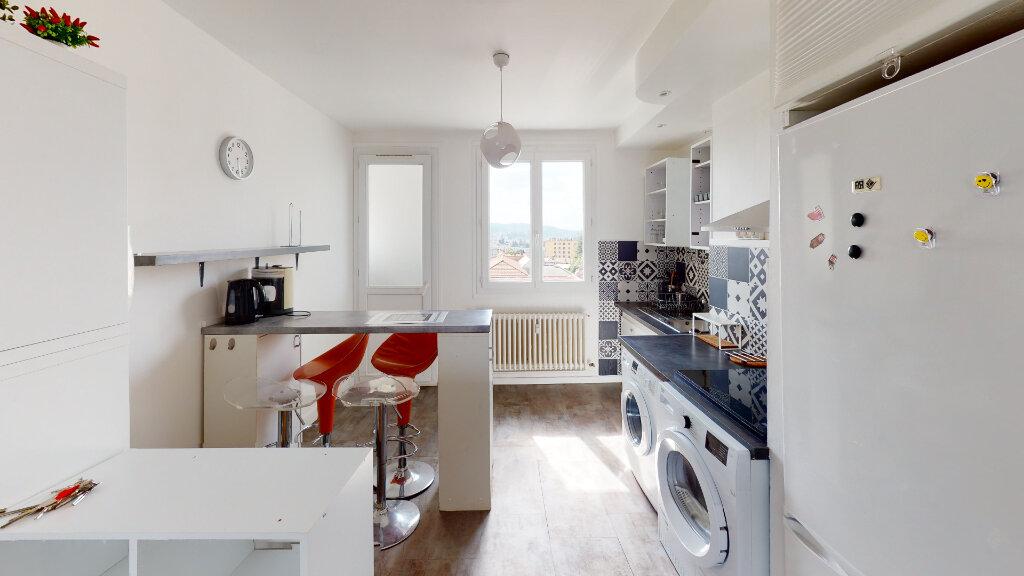Appartement à louer 4 64.49m2 à Saint-Étienne vignette-6