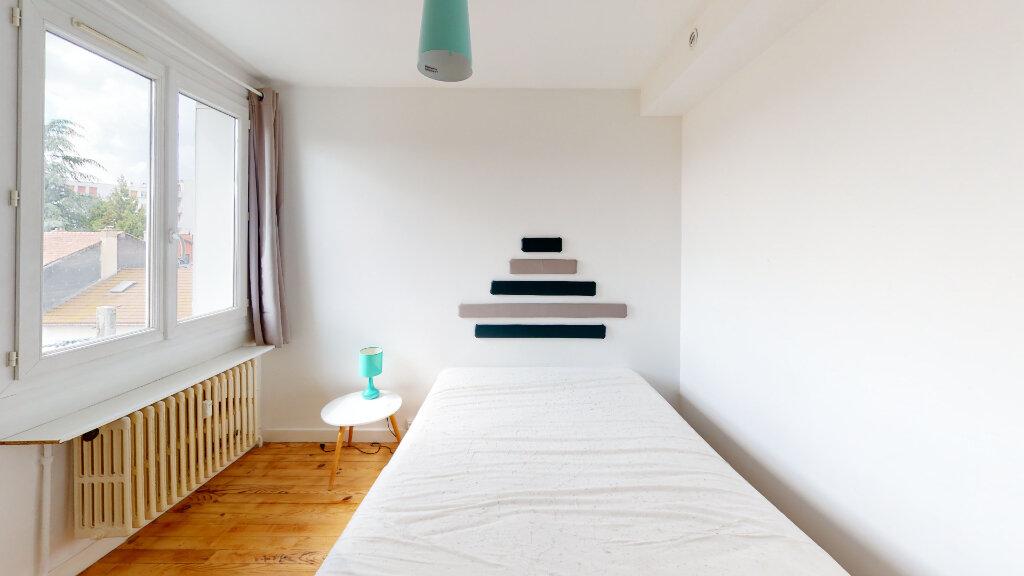 Appartement à louer 4 64.49m2 à Saint-Étienne vignette-7
