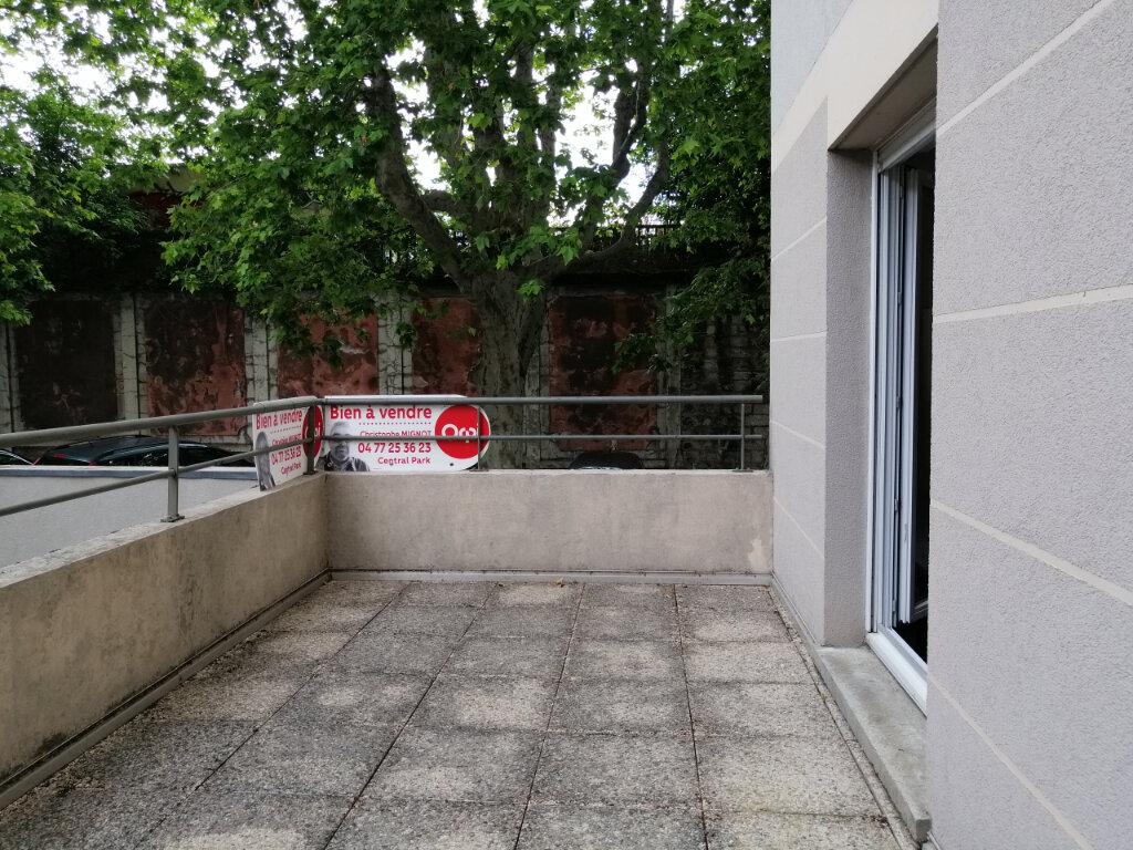 Appartement à louer 1 23.13m2 à Saint-Étienne vignette-1