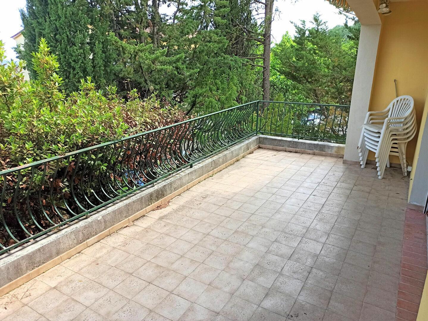 Maison à vendre 5 175m2 à Cagnes-sur-Mer vignette-2