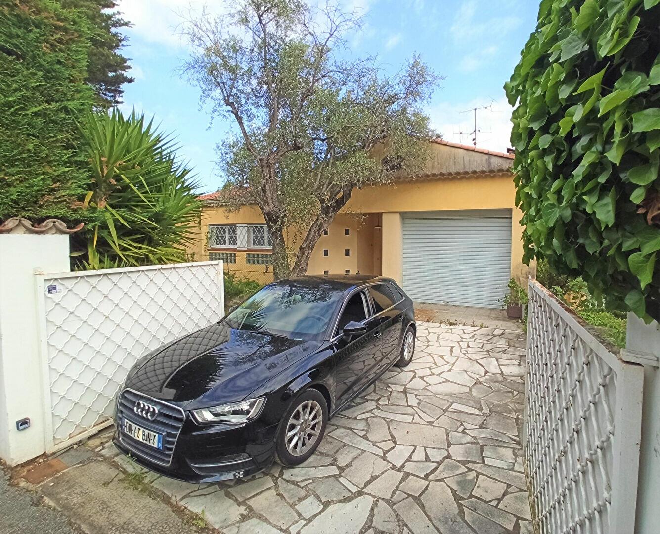 Maison à vendre 5 175m2 à Cagnes-sur-Mer vignette-4
