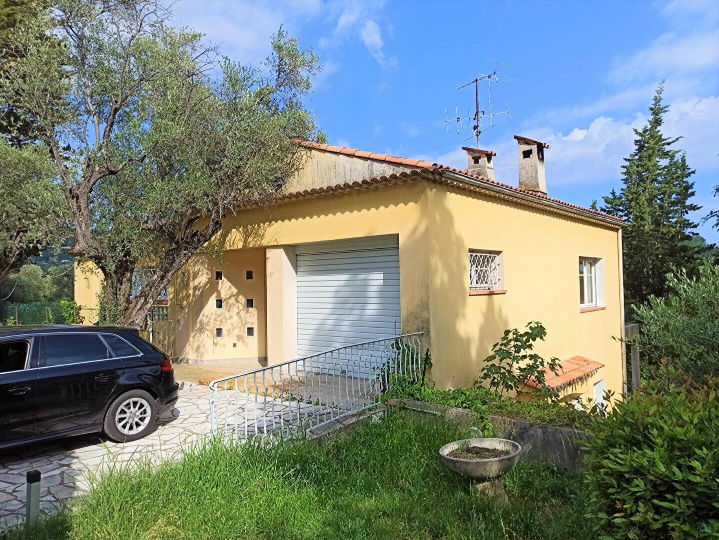 Maison à vendre 5 175m2 à Cagnes-sur-Mer vignette-5