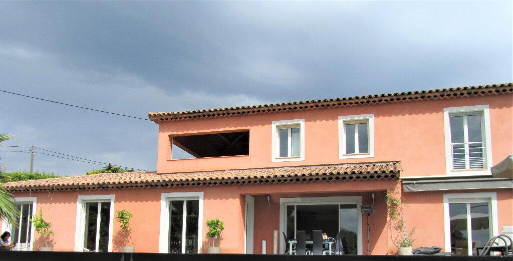 Maison à vendre 6 220m2 à Cagnes-sur-Mer vignette-2
