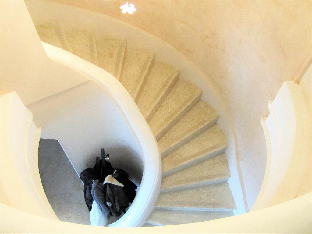 Maison à vendre 6 220m2 à Cagnes-sur-Mer vignette-9