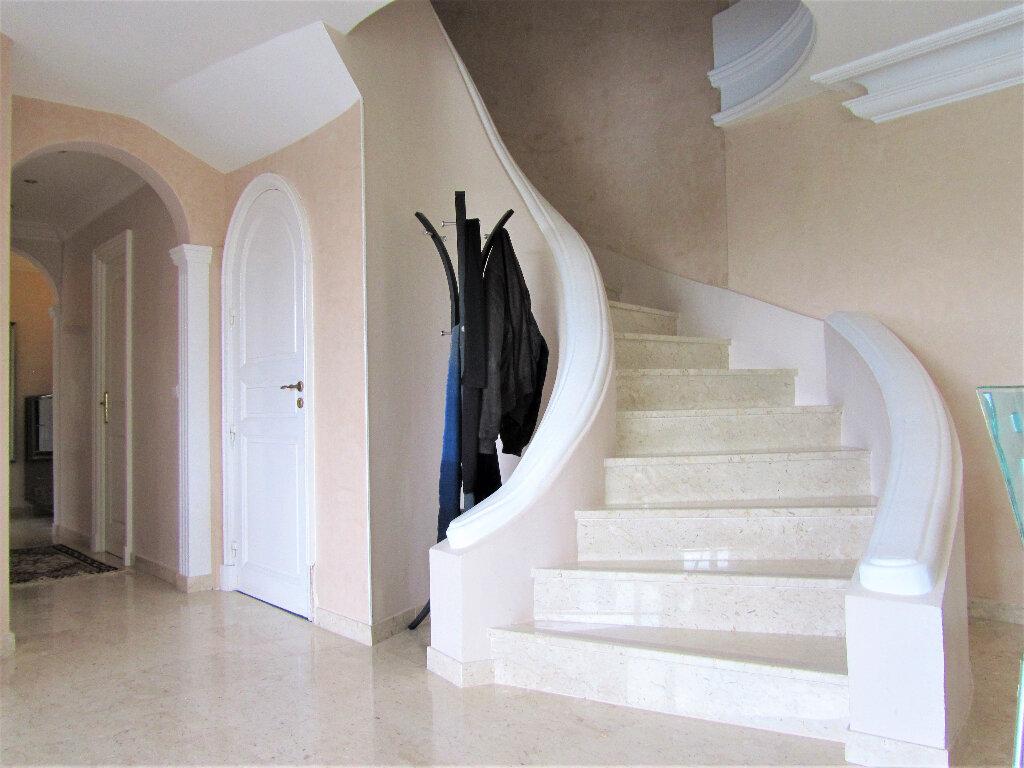 Maison à vendre 6 220m2 à Cagnes-sur-Mer vignette-15