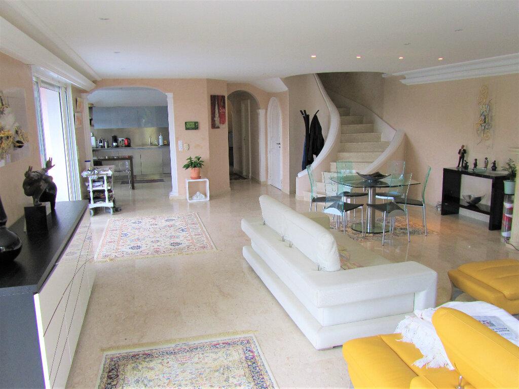 Maison à vendre 6 220m2 à Cagnes-sur-Mer vignette-16