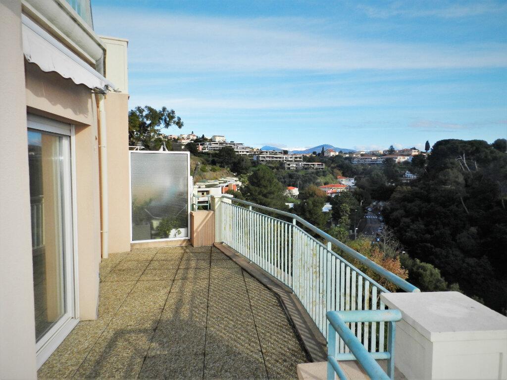 Appartement à vendre 3 61m2 à Saint-Laurent-du-Var vignette-3