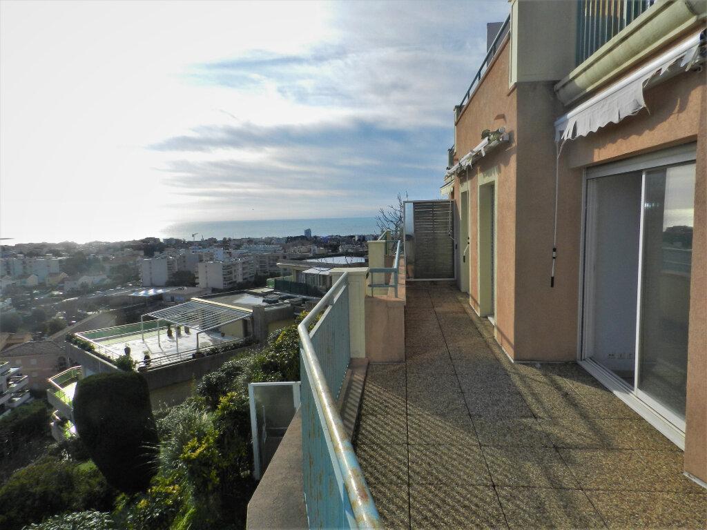 Appartement à vendre 3 61m2 à Saint-Laurent-du-Var vignette-6