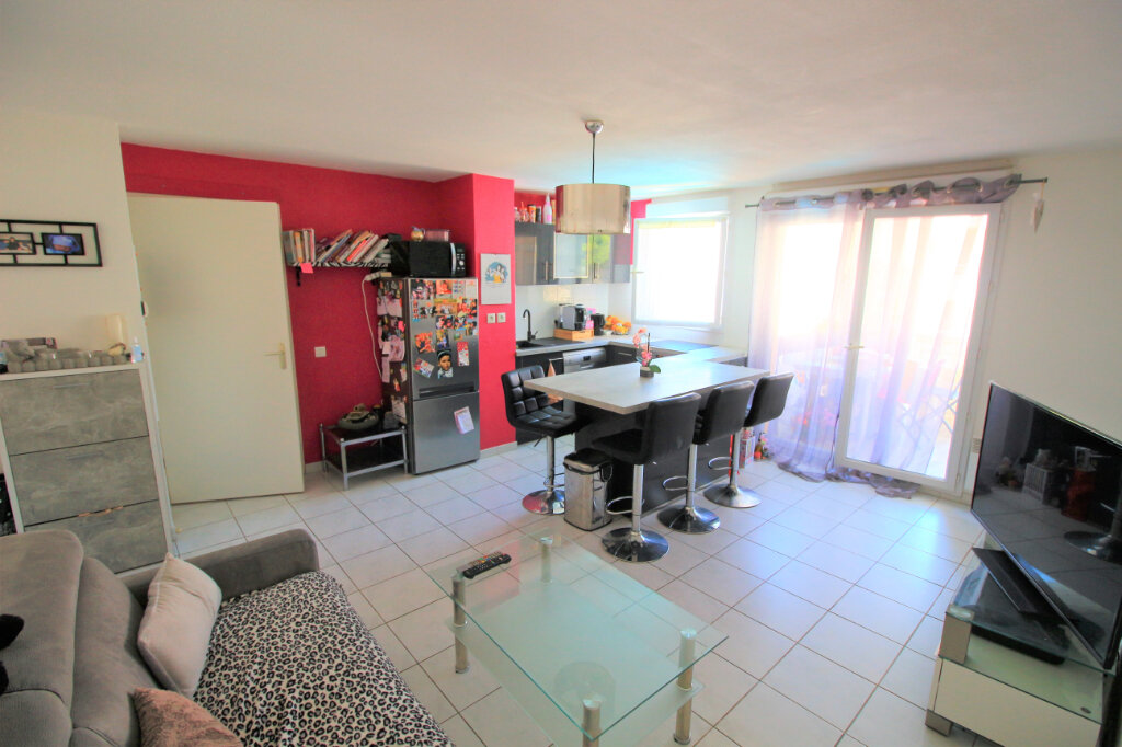 Appartement à vendre 2 41m2 à Saint-Laurent-du-Var vignette-1